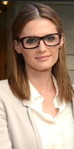 #Stana#Katic so chic with glasses