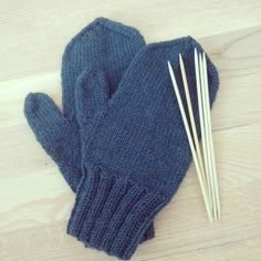 Knitted  blue mittens
