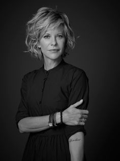 45 Artistic Short Hair with Pony Ideas, Meg Ryan Short Hair with Pony, … - Schulterlange Haare Ideen Meg Ryan Hairstyles, Haircuts For Wavy Hair, Short Hair With Bangs, Short Hair Cuts, Cool Hairstyles, Meg Ryan Haircuts, Short Wavy, Gorgeous Hairstyles, Meg Ryan Short Hair