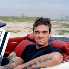 Shared by Find images and videos about cute, sexy and Hot on We Heart It - the app to get lost in what you love. Robbie Williams, My Music, Old School, We Heart It, Handsome, Take That, Album, Humor, My Love