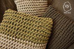 COJINES TRAPILLO Crochet Fabric, Fabric Yarn, Knit Crochet, Knit Pillow, Knitted Pillows, Merino Wool Blanket, Cushions, Rugs, Knitting