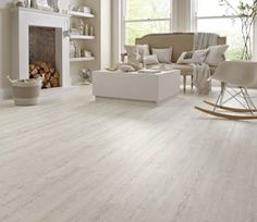 Karndean Knight Tile KP105 White Painted Oak