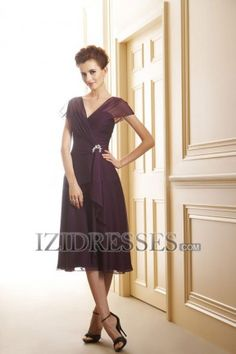 Sheath/Column V-neck Chiffon Mother of the Bride Dresses - IZIDRESSES.COM