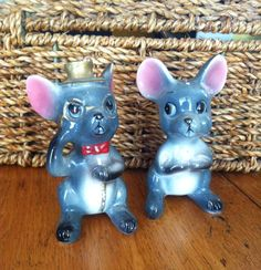 Vintage City and Country Mouse Salt and Pepper Shakers
