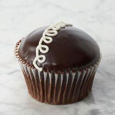 [Crumbs] 'Squiggle' (Hostess) Cupcake, 6pc - $27