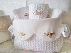 ~ Waffle and Pique fabrics embroidered with pink bullion roses. Maybe a guest towels and holder. Silk Ribbon Embroidery, Cross Stitch Embroidery, Embroidery Patterns, Hand Embroidery, Machine Embroidery, Sewing Patterns, Sewing Crafts, Sewing Projects, Fabric Boxes