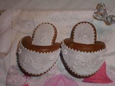 Vánoční perníčky Baby Shoes, Desserts, Kids, Handmade, Fashion, Tailgate Desserts, Young Children, Moda, Deserts