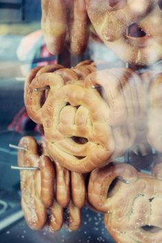 Disneyland | Cream Cheese filled Pretzel | @Kim-Van Truong haven't had this but found it on the blog while looking for a picture of the monte cristo + now you have to have one for me k!