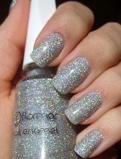 Holographic flormar Nail Polish Art, Nail Art, Fun Nails, Pretty Nails, Diy Beauty Care, Beauty Ideas, Silver Glitter Nails, Rose Nails, Manicure And Pedicure