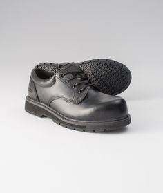The anti-slip outsoles on these safety shoes give you traction control in slippery areas, making them an ideal option for kitchen, maintenance and janitorial workers. Learn more about Dakota's Lace-up anti-slip shoes.   Mark's Work Wearhouse, Yorkton
