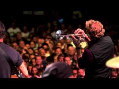 "Bruce Springsteen - ""Stayin' Alive"" (Brisbane, 02/26/14) - YouTube"