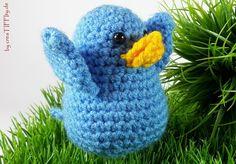 Vogel Piet mit Geschichte. Häkelanleitung auch auf CrazyPatterns erhältlich: https://www.crazypatterns.net/de/items/14255/haekelanleitung-der-kleine-vogel-piet