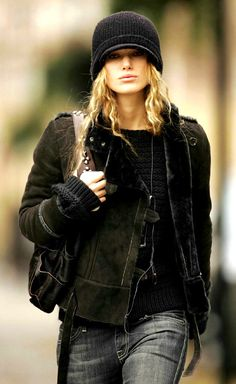 Ultimate casual chic by Keira Knightley Looks Street Style, Urban Street Style, Looks Style, Street Chic, Style Me, Keira Christina Knightley, Keira Knightley, Lingerie Plus Size, Ethno Style