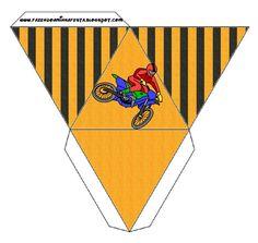 Cajita pirámide–motocross