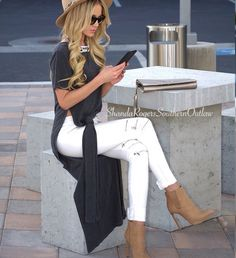 Spring Outfit - Long slit top - White jeans with zippers - Nude booties