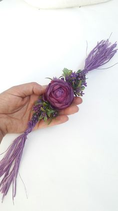 How to make wrist corsage diy 16 - Beauty of Wedding Prom Flowers, Bride Flowers, Flower Corsage, Wrist Corsage, White Wedding Bouquets, Purple Wedding, Wedding Arrangements, Flower Arrangements, How To Make Corsages