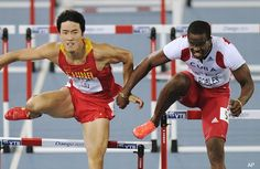 Cheaters never prosper. Cuba's Robles DQ'ed for impeding China's Xiang in the 110m hurdles at #Daegu2011 Worlds. USA's Richardson awarded gold.
