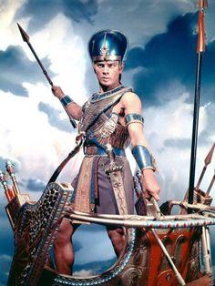 Films Chrétiens, Films Cinema, Yul Brynner, Epic Film, Epic Movie, Mummy Movie, Vintage Hollywood, Classic Hollywood, Battle Dress