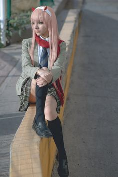 Zero Two / Darling in the Franxx Cosplay by MaySakaali on DeviantArt Asian Cosplay, Cute Cosplay, Cosplay Dress, Amazing Cosplay, Cosplay Outfits, Anime Outfits, Cosplay Costumes, Halloween Costumes, Anime Sexy