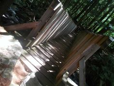 Les Sentiers de l'Estrie, secteur Brompton, Québec, août 2016 Brompton, Texture, Wood, Crafts, Pathways, Surface Finish, Manualidades, Woodwind Instrument, Timber Wood