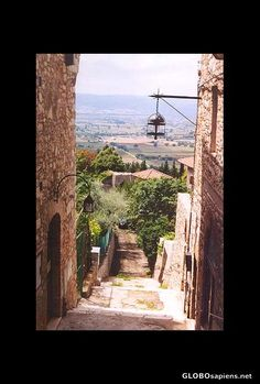 Assisi, Italy  Google Image Result for http://www.globosapiens.net/data/gallery/it/pictures_468/www.globosapiens.net--italy--assisi--id%3D7148.jpg