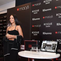 Love this photo of singer Rihanna at the launch of her 1st Men's fragrance at Macy's in Atlanta Georgia yesterday.
