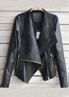 Black Faux Leather Jacket with Zip//
