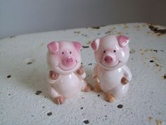 Vintage pink pigs salt and pepper shakers I by MattiesMenagerie