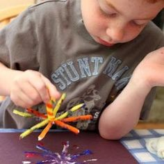 Painting Fireworks {Patriotic Crafts for Kids}