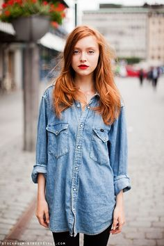 jean shirt + red lips (+ love the red hair! le sigh!)