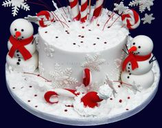 Christmas Cakes | Cake by Claire – Christmas Cake with Models