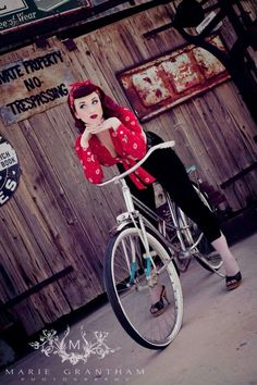 Perfect Rockabilly Style!! Love all of it!:: Rockabilly Fashion:: '50s :: Rockabilly Pin Up:: Pin Up Girl Fashion More #beautyfashion
