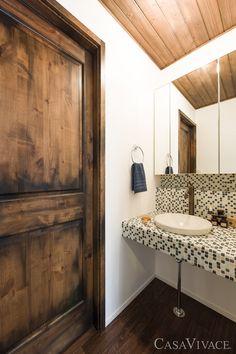 アンティーク風建具やモザイクタイルがモダンな家 Washroom, Mosaic Tiles, Mirror, Frame, House, Furniture, Home Decor, Mosaic Pieces, Picture Frame