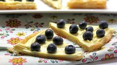 Lemon Blueberry Cookie - Serve up the fresh taste of summer with two cookie pizzas that come together in a snap.