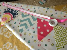 TBT: No Sew Fabric Banner/Bunting Tutorial :)Cheap and Easy No-Sew Fabric Banner Tutorial II