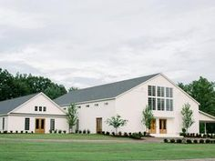 The Grandeur House Wedding with a Modern Farmhouse Style Used Wedding Decor, Wedding Ideas, Cabins And Cottages, Barn Wedding Venue, Modern Farmhouse Style, Restaurant, Mansions, House Styles, Home Decor