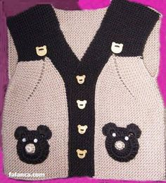 Making a Baby Vest with Bear - Kleidung Evening Dress Patterns, Baby Dress Patterns, Baby Knitting Patterns, Crochet Baby Dress Pattern, Knit Crochet, Arm Knitting, Free Baby Stuff, Baby Sweaters, Crochet For Kids