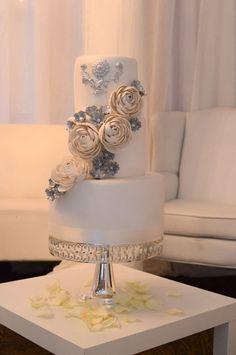 Wedding Cakes & Desserts - MODwedding