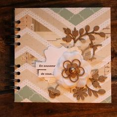 Stacy - mini-album - Art du scrapbooking Scrapbooking, Tags, Frame, Decor, Tuto Mini Albums, Clutch Bags, Tutorials, Cards, Bees