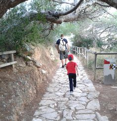 Subida al Peñón de Ifach #Calpe #Costablanca www.grupoturis.com