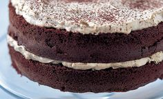 Mary Berry's Cappuccino Cake ~ chocolate sponge cake with coffee-flavored fresh whipped cream Mary Berry Chocolate Cake, Chocolate Sponge Cake, Chocolate Cakes, Recipes With Whipping Cream, Cream Recipes, Kraft Recipes, Gourmet Recipes, Cappuccino Cake Recipes, British Baking
