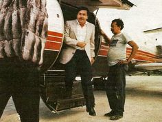 2. Escobar made the Forbes' list of international billionaires for seven years straight, from 1987 until 1993. In 1989, he was listed as the seventh-richest man in the world.
