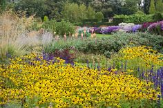 English Herbaceous Borders | Waterperry Gardens, Oxfordshire, England | ( 3 of 50) | Flickr - Photo Sharing!