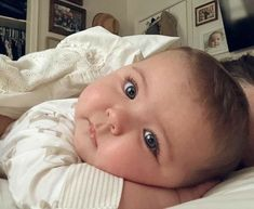 46 ideas beautiful children boy girls for 2019 Cute Little Baby, Lil Baby, Baby Kind, Cute Baby Girl, Little Babies, Chubby Babies, Twin Baby Boys, Precious Children, Beautiful Children
