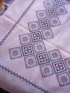 Cross Stitch Art, Cross Stitch Borders, Modern Cross Stitch, Cross Stitch Designs, Cross Stitching, Cross Stitch Embroidery, Cross Stitch Patterns, Seed Bead Bracelets, Filet Crochet
