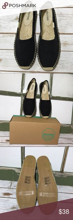SOLUDOS ORIGINAL ESPADRILLE DALI BLACK IN BOX 📦 SOLUDOS DALI ORIGINAL ESPADRILLES BLACK . Named after Salvador Dali the eccentric artist was often seen wandering the streets of Barcelona *funfact* linen uppers crafted with a traditional jute sole that allows the foot to breathe while cushioning it . Preloved by me and worn once . I was given another pair and actually forgot I owned this pair . Size 9 in excellent condition just a little smudge on the soles from my wearing them once…