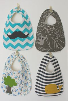 Baby bibs - more cute color combos, has link to tutorial. Now these, I understand making cute! After all, you're gonna put 'em on YOUR cutie!
