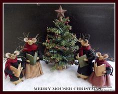 PRIMITIVE Caroling Mice and Lighted by buttermilkcreekfarm on Etsy, $90.00