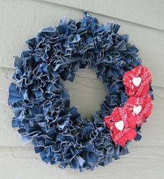 I love this wreath design. Very nice.
