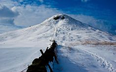 North Yorkshire's Matterhorn North Yorkshire, Mount Everest, Mountains, Wallpaper, Nature, Travel, Naturaleza, Viajes, Wallpapers